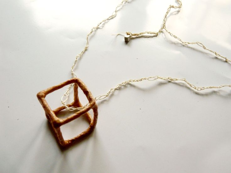 knitted necklace with cube and silver detail >wire/silk fiber paper/linen thread/silver