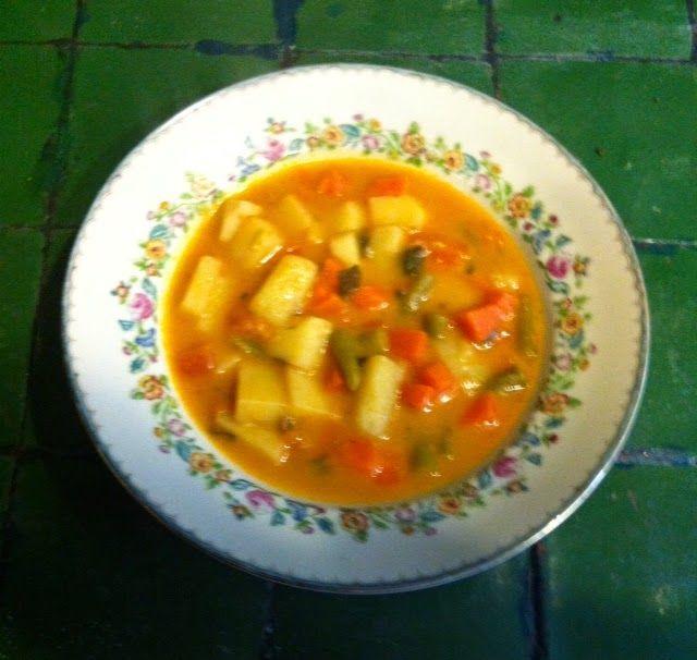Sopa Rumana ( Rumanía )