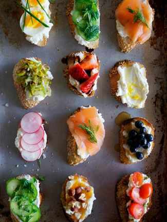 Ricotta Crostini #recipes #appetizers #Oscars