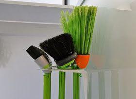 Alguns utensílios da casa são muito chatos de guardar e a vassoura é um deles, principalmente para quem tem pouco espaço. Leia mais >> ...