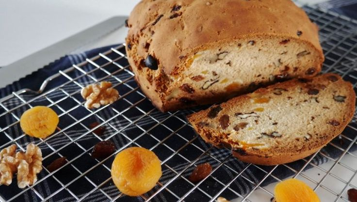 Glutenvrij rozijnenbrood met abrikoos en walnoot - MissGlutenvrij.nl