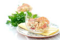 Receta de salpicón de mar hecha en menos de 1 minuto. Puedes usar mariscos cocidos o tirar de ingredientes más económicos como palitos de cangrejo.