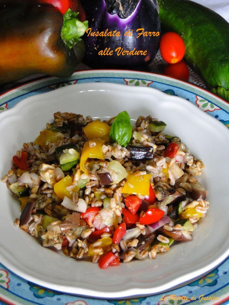 Insalata di farro fredda con verdure