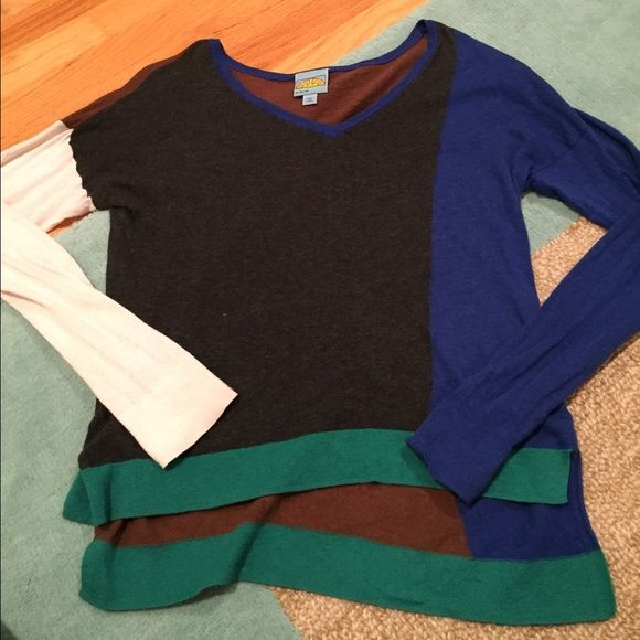 C&C California Sweater Well loved but has a lot of life left! Fun multicolor sweater, very soft! Fits small/medium C&C California Sweaters V-Necks