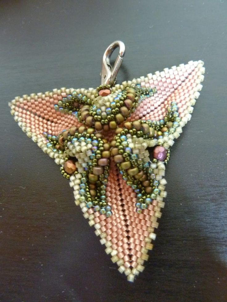 Silkes Perlendesign: Und noch was Schönes von Justyna - Twisted Triangle