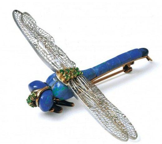 Spilla libellula 1904 Tiffany Co. su disegno di Louis Comfort Tiffany 520x462 Gioielli del Novecento, lultima fatica di Alba Cappellieri