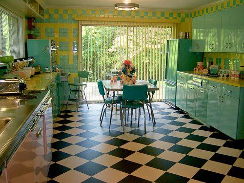 Amazing retro kitchen.Dreams Kitchens, Vintage Kitchens, Floors, Aqua, Pink Blue, Design Studios, Yellow Kitchens, Kitsch, Retro Kitchens