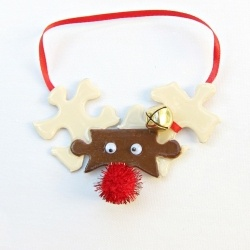 Puzzle Piece ReindeerChristmas Crafts, Christmas Holidays, Piece Reindeer, Kids Crafts, Puzzle Pieces, Crafts Unleashed, Christmas Decor, Christmas Ornaments, Puzzles Piece