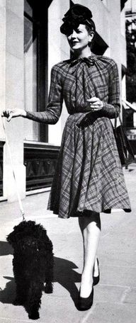 Love this dress and this decade of fashion! 1940's Women's Fashion
