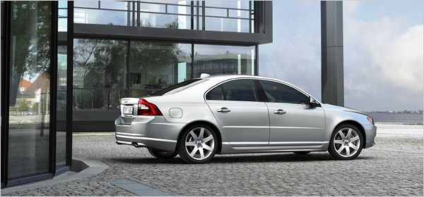 Sometime simplicity attracts more, it is true for #Volvo S80 #sedan which is simple in its own word but yet delivers luxury. automobile