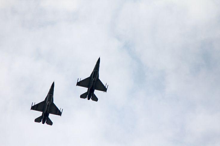 Myśliwce na lotniskiem Szymanów