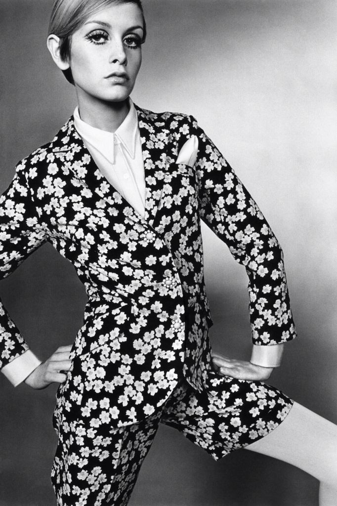 English model Twiggy wearing a floral suit with shorts, United Kingdom, 1967, photograph by Just Jaeckin.