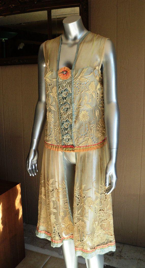 1920s Tambour Lace Dress Wearable Original with par Bellasoiree, $325.00