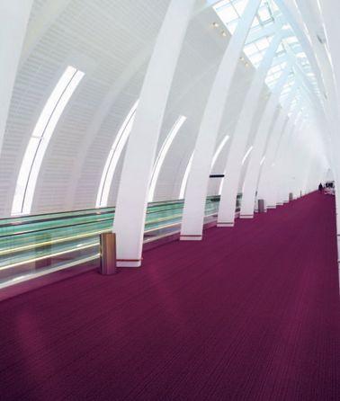 #elzap #meblebiurowe #meble #furniture #poland #warsaw #krakow #katowice #office #design #officedesign #purple #fittedcarpet #white #walls #inspiration #interior #space #architecture www.elzap.eu