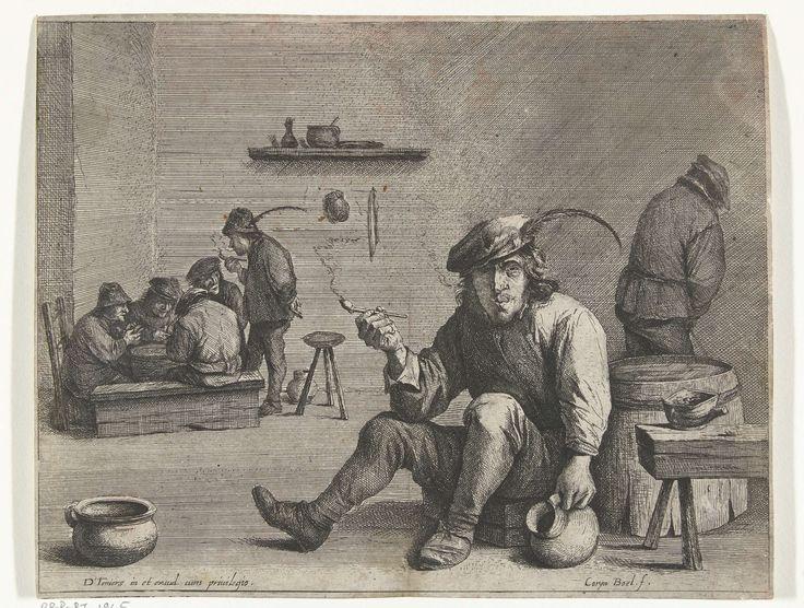 Quirin Boel | Pijprokende man in een kroeg, Quirin Boel, David Teniers (II), unknown, 1635 - 1668 | Een man zit in een kroeg op een kruk en rookt een pijp. Met zijn andere hand houdt hij een kruik vast. Op de achtergrond staat rechts een man in een hoek te plassen en links zit een groepje mannen te kaarten.