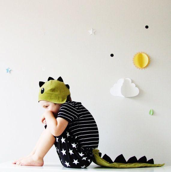 De dinosaurus  handgemaakte Kinder kostuum door sparrowandbcostumery