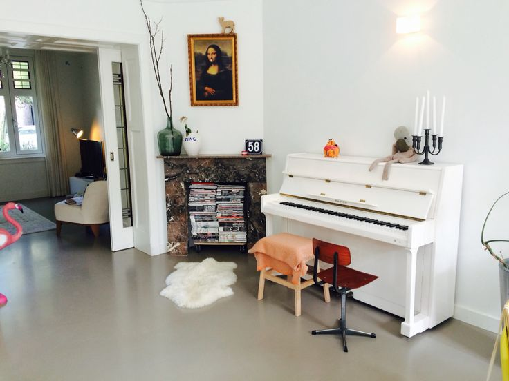 White piano in Dutch family home:
