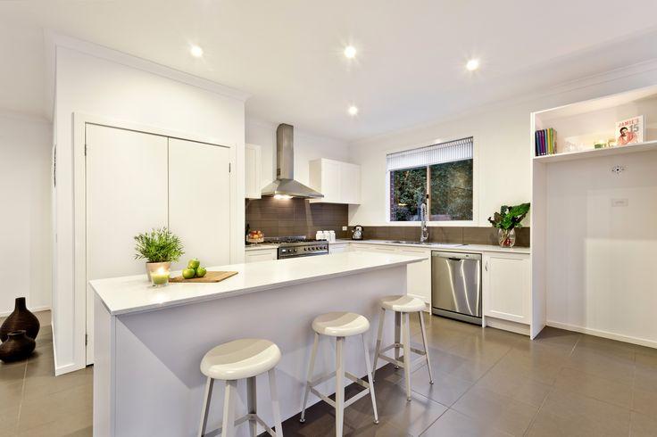 Stone kitchen with Smeg 900mm range