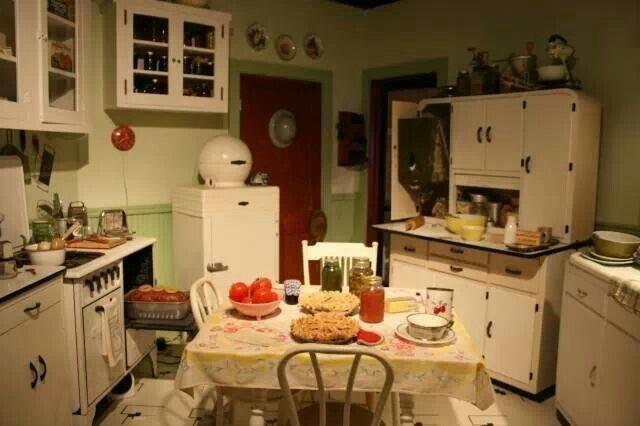 Vintage Kitchens 40 S And 50 S 1940s Kitchen Vintage
