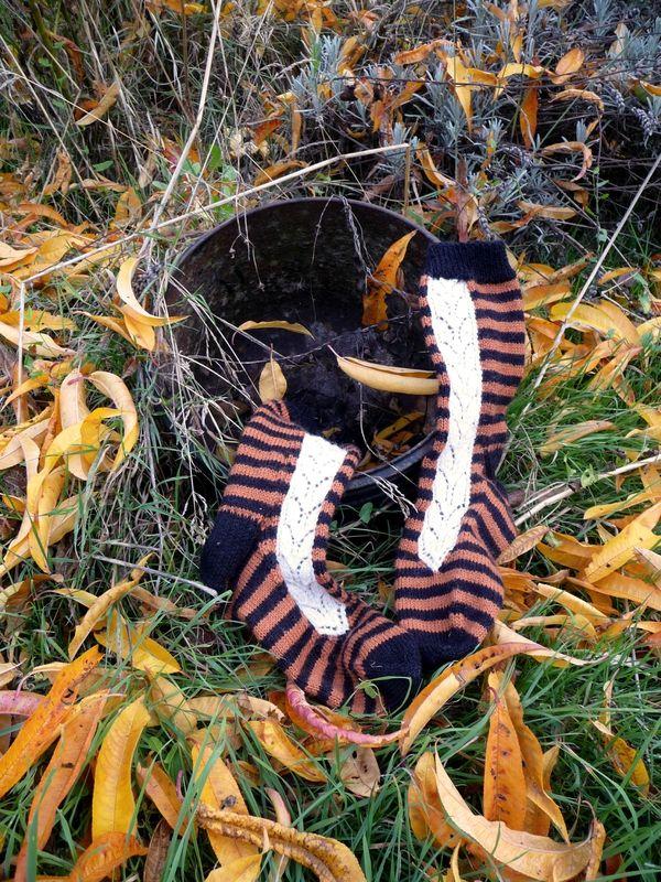 Villiviini socks (free ravelry pattern) by Les Boutiqueuses (chaussettes Villiviini, patron gratuit)