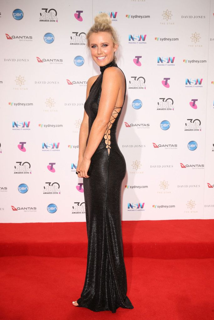 Olivia Phyland Photos Photos - 30th Annual ARIA Awards 2016 - Arrivals - Zimbio