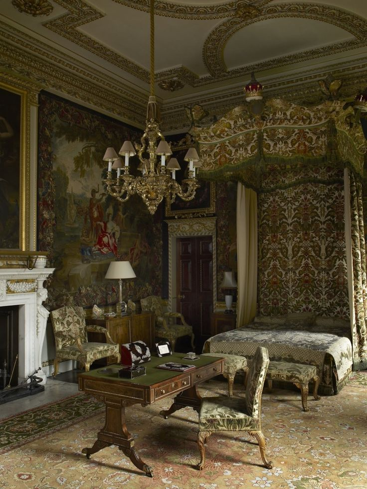 [Photo by Paul Barker ©English Country House Interiorsby Jeremy Musson, Rizzoli New York 2011]