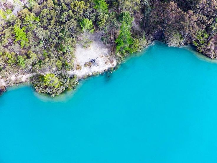 Black Diamond Lake is an old open pit coal mine. The limestone base results in amazing blue water. Amaze! #westernaustralia #collie #lake #ig_australia #exploreaustralia