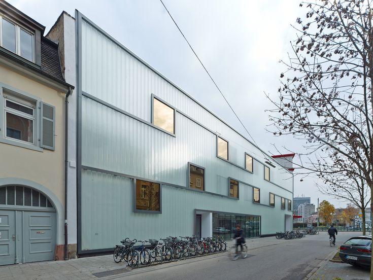 Fichte-Gymnasium in Karlsruhe - Glas - Bildung - baunetzwissen.de