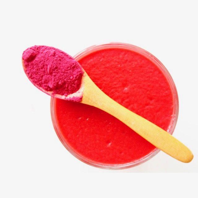Słodki koktajl z czerwonym burakiem 🍹🙂 --> Zapraszam moją stronę na fb https://m.facebook.com/eatdrinklooklove/ ❤ . .  The sweet cocktail with red beet 🍹🙂 --> I invite my page on fb https://m.facebook.com/eatdrinklooklove/ ❤