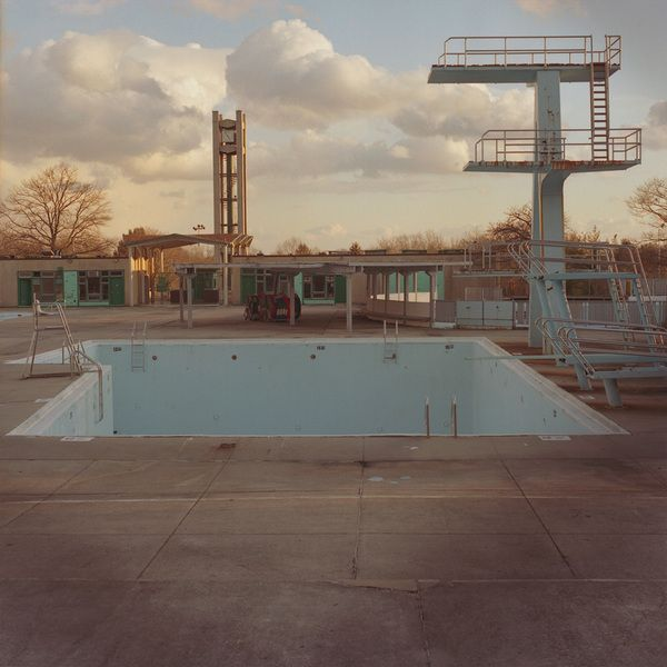 1000 images about creepy swimming pools on pinterest for Disused swimming pools
