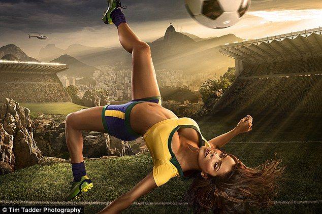 Artista americano cria calendário sexy para a Copa do Mundo no Brasil - http://epoca.globo.com/colunas-e-blogs/bruno-astuto/noticia/2014/01/artista-americano-cria-bcalendario-sexyb-para-copa-do-mundo-no-brasil.html (Foto: Tim Tadder)