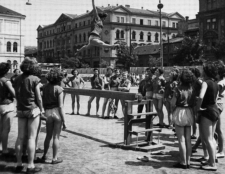 Tornavizsga, 1952 Fotó: Keleti Éva