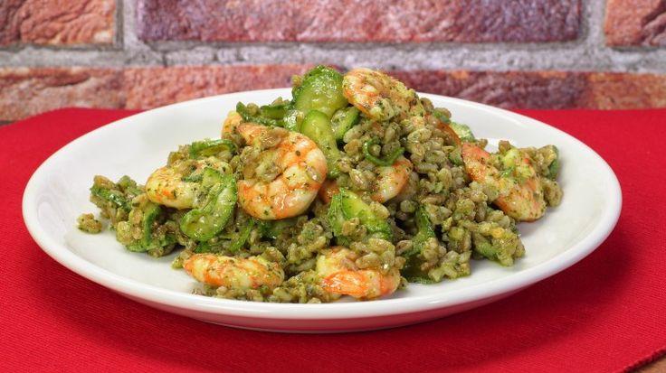 Ricetta Insalata di farro, gamberi e zucchine: L'insalata di farro, gamberi e zucchine è un piatto unico perfetto per l'estate. Ottimo come work food, sazia e fa allegria! Provatelo anche voi!