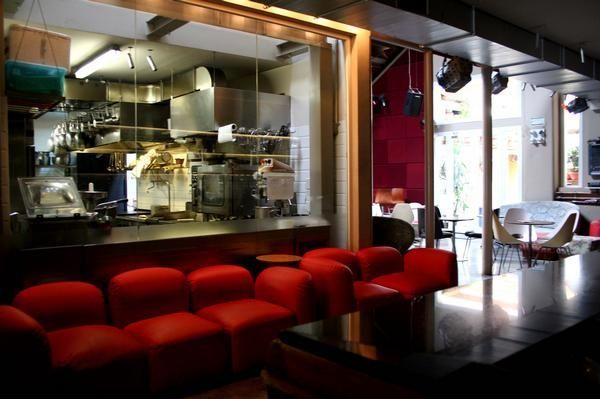 Clandestino e Arbusto. Bar and Restaurant. Vegetarian and Vegan.