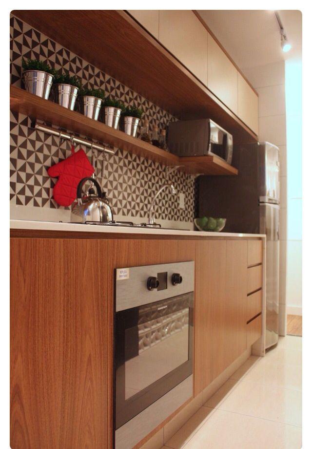 Cozinha compacta legal! Area de respingo linda!