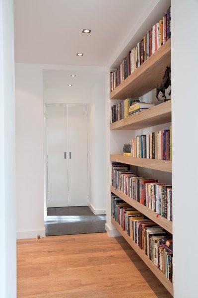 Zwevende boekenplanken | benutten van nis