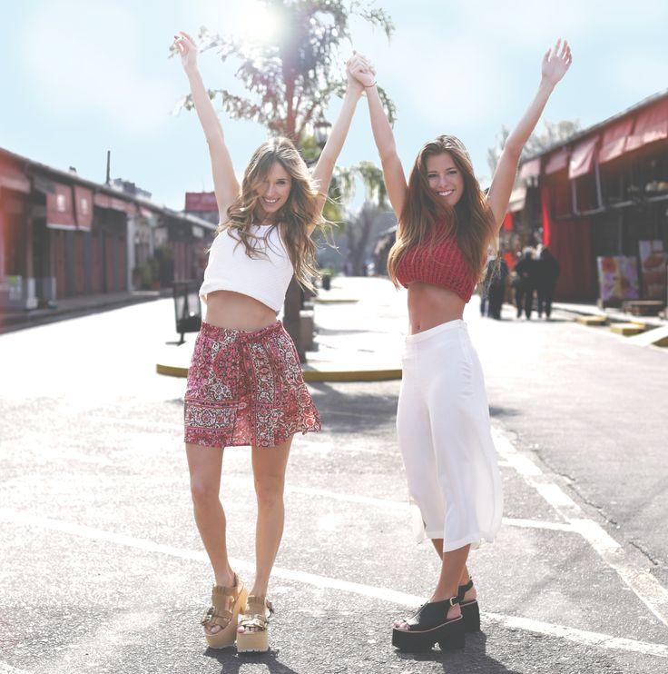 Look of the day 1 Next stop: Summer!  Fotos: Anita Thomas  Modelos: Isa Bullrich y Lauri Camacho Estilismo: Belu Barrague & Anita Bonessa  Pelo y Make up: Feli Rocca