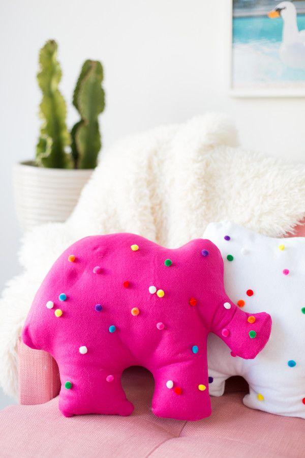 DIY Circus Animal Cookie Pillows – Studio DIY