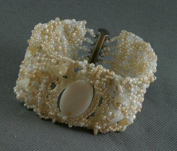 Lovely freeform beaded bracelet by Annavilma on Etsy