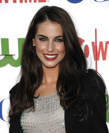 Lily (Jessica Lowndes)