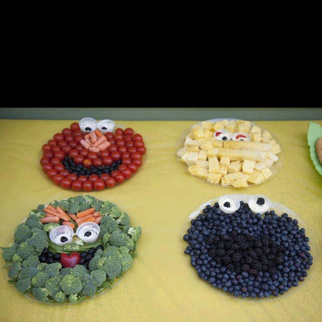 Fun healthy food!Kids Parties, Cookies Monsters, For Kids, Birthday Parties, Food, Veggies Trays, Parties Ideas, Sesame Streets, Street Parties