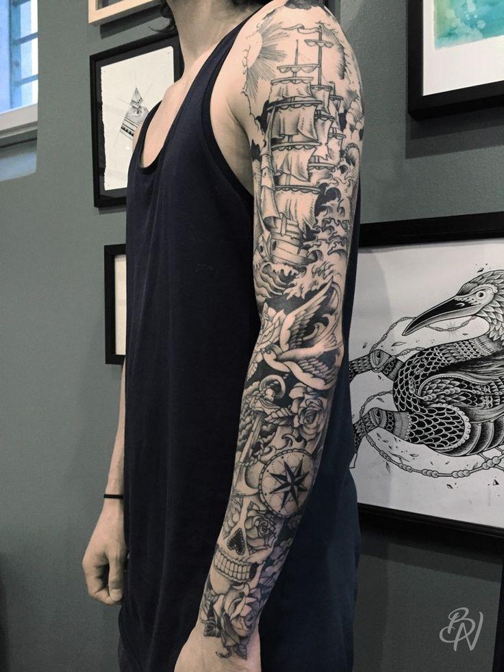 Veenom-bleu-noir-tattoo-art-shop-paris-abbesses-01