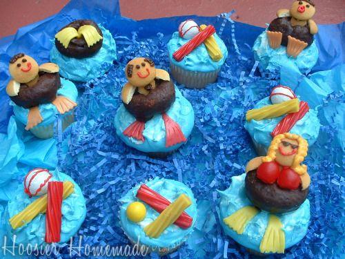 swimming pool cupcakes