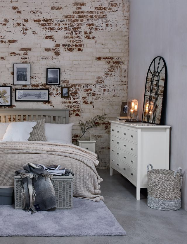 Hastings Ivory 10 Drawer Chest Ivory Bedroom Furniture