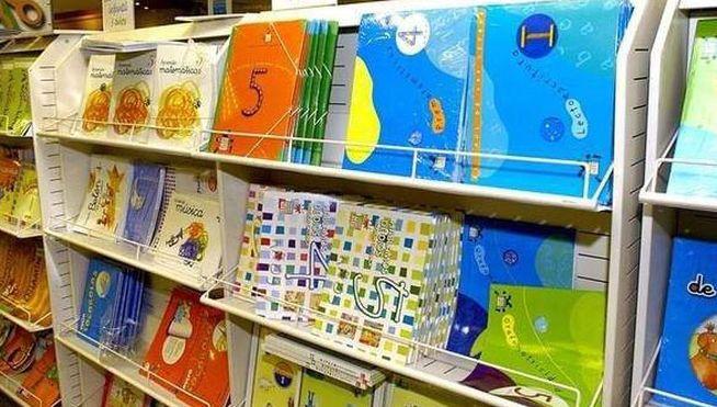 Buenos días, por cambio injusticado en la nueva ley de la LOMCE... Boicot de padres, docentes y alumnos contra los nuevos libros de texto #BuenosDias #padres #docentes #maestros #profesores #alumnos #estudiantes #libros #lomce