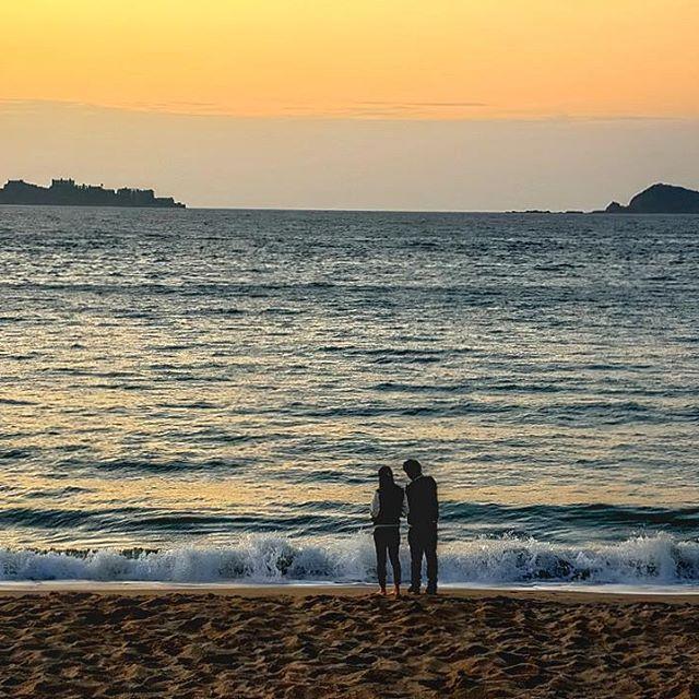 【dekalabi2009】さんのInstagramをピンしています。 《いつまでもお幸せに〜💕-Happy forever 💕- #風景 #スナップ #海 #夕焼け #軍艦島 #高浜アイランド #カップル #カップルフォト #夕日 #ながさきサンセットロード #ニコン #長崎 #landscape #scene #scenery #snapshot #sea #gunkanjima #couple #love #sunset #nikon #d7100 #nikontop_ #nikontop #instagramjapan #lovers #nagasakigram #nagasaki》
