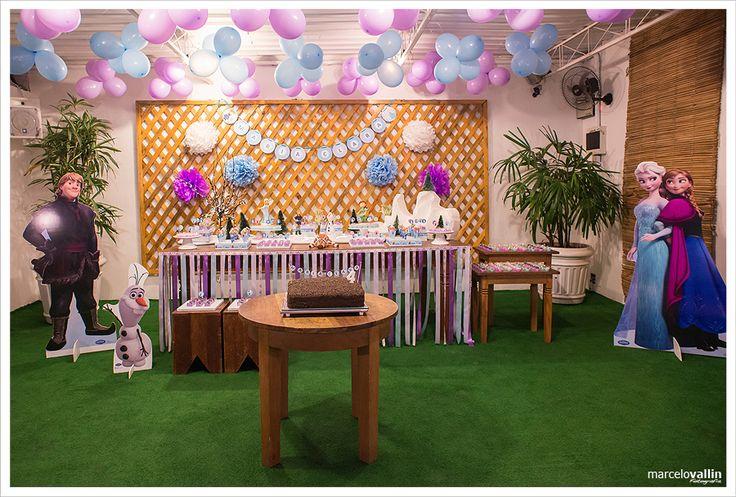 Festa Infantil Frozen | Espaço Aldeia | Barra da Tijuca | Decoração Personalizada | bolo de festas | Fotografia de festa Infantil