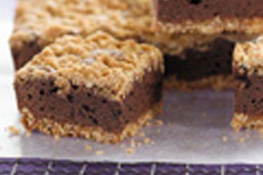 Oaty chocolate fudge slice – Recipes – Bite