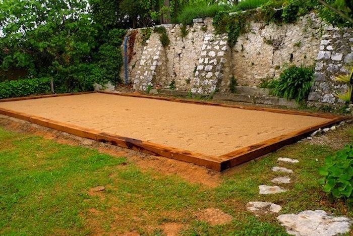 what we need is .... a terrain de petanque