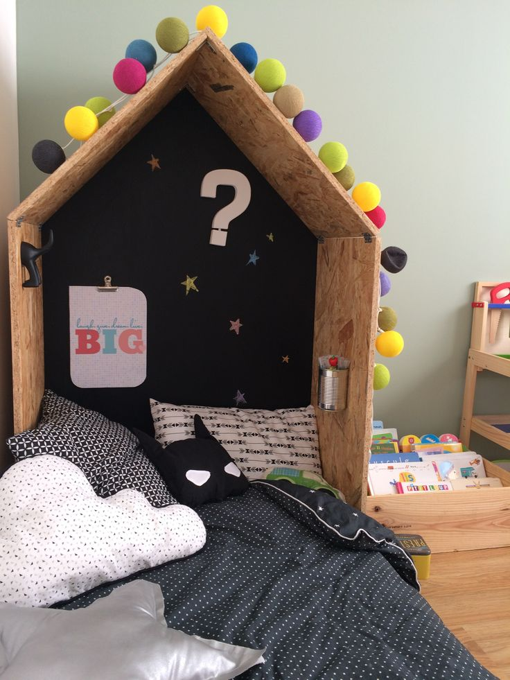 les 25 meilleures id es de la cat gorie lits de b b en bois sur pinterest p pini re. Black Bedroom Furniture Sets. Home Design Ideas